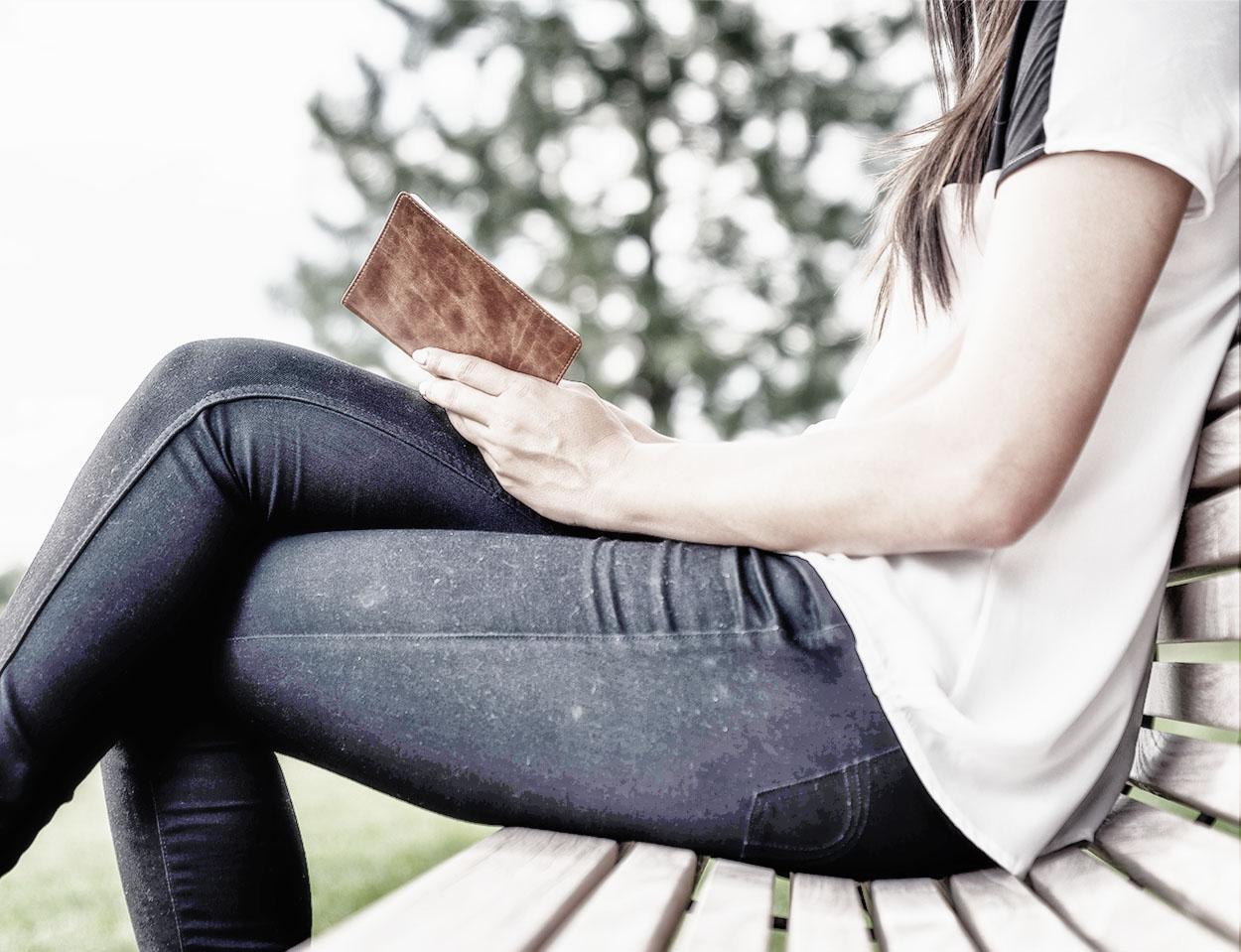 book-right2